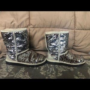 Ugg sequin short boot